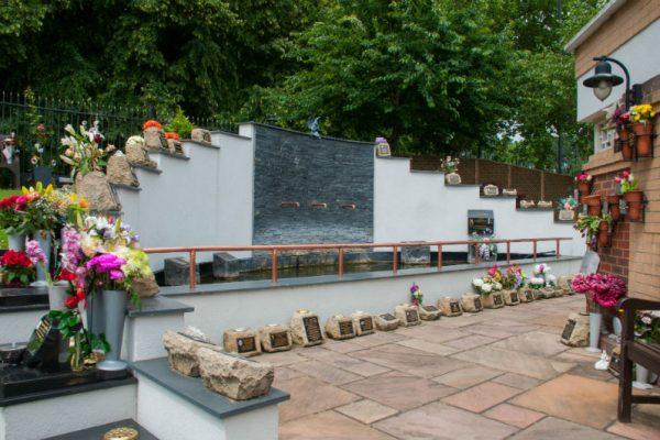 memorial-garden-albins-02