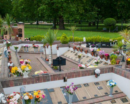 memorial-garden-albins-03