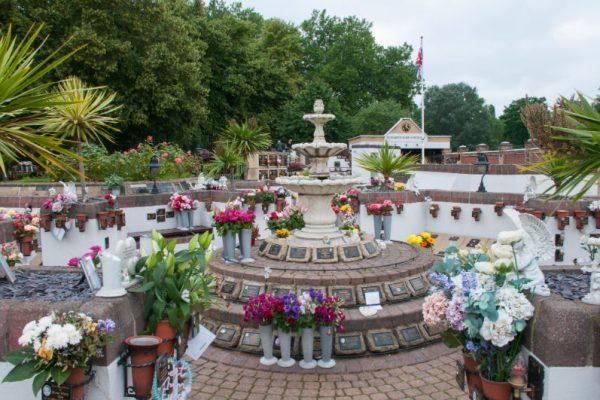 memorial-garden-albins-05